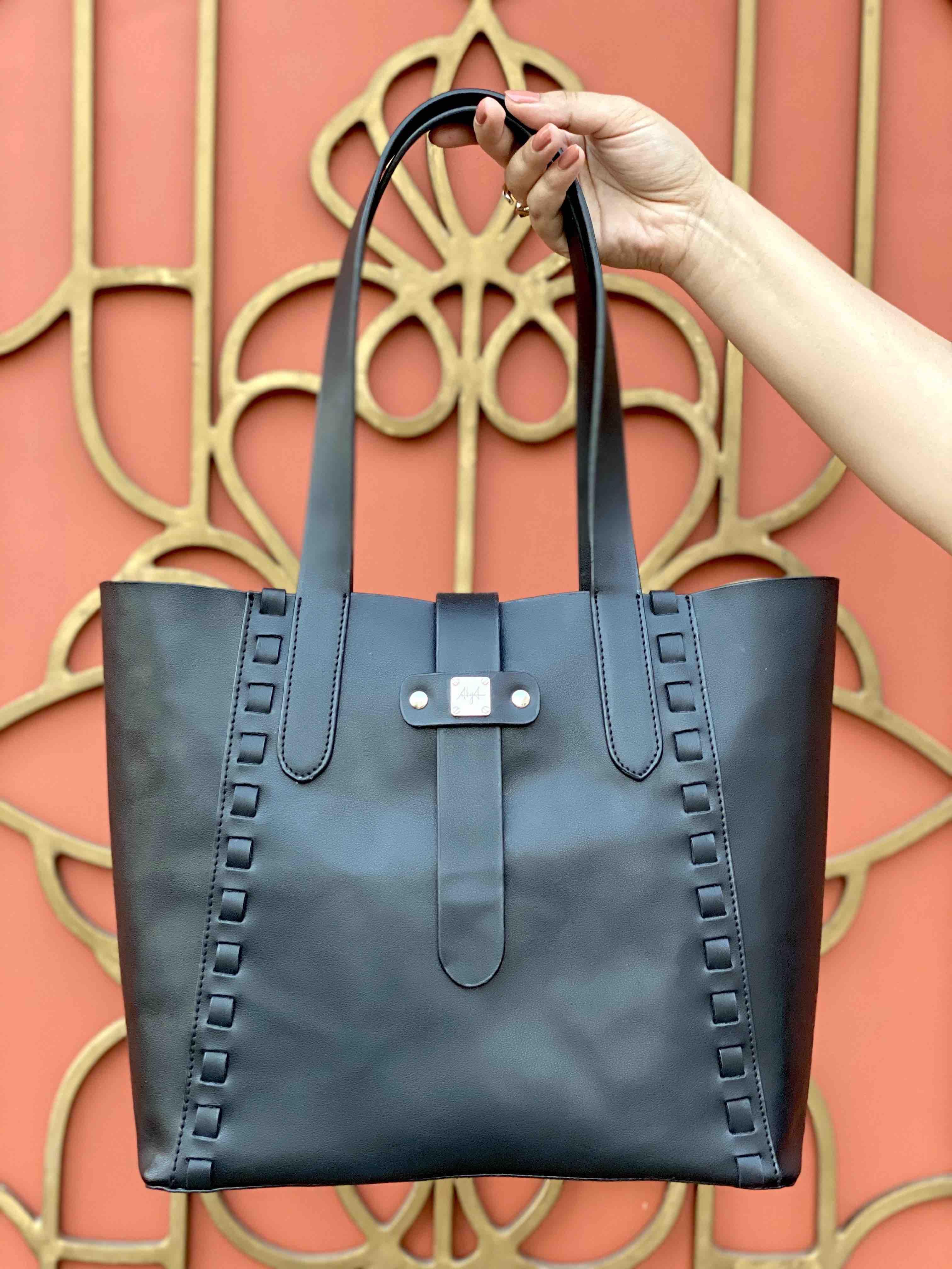BLACK CLIO TOTE BAG image 5