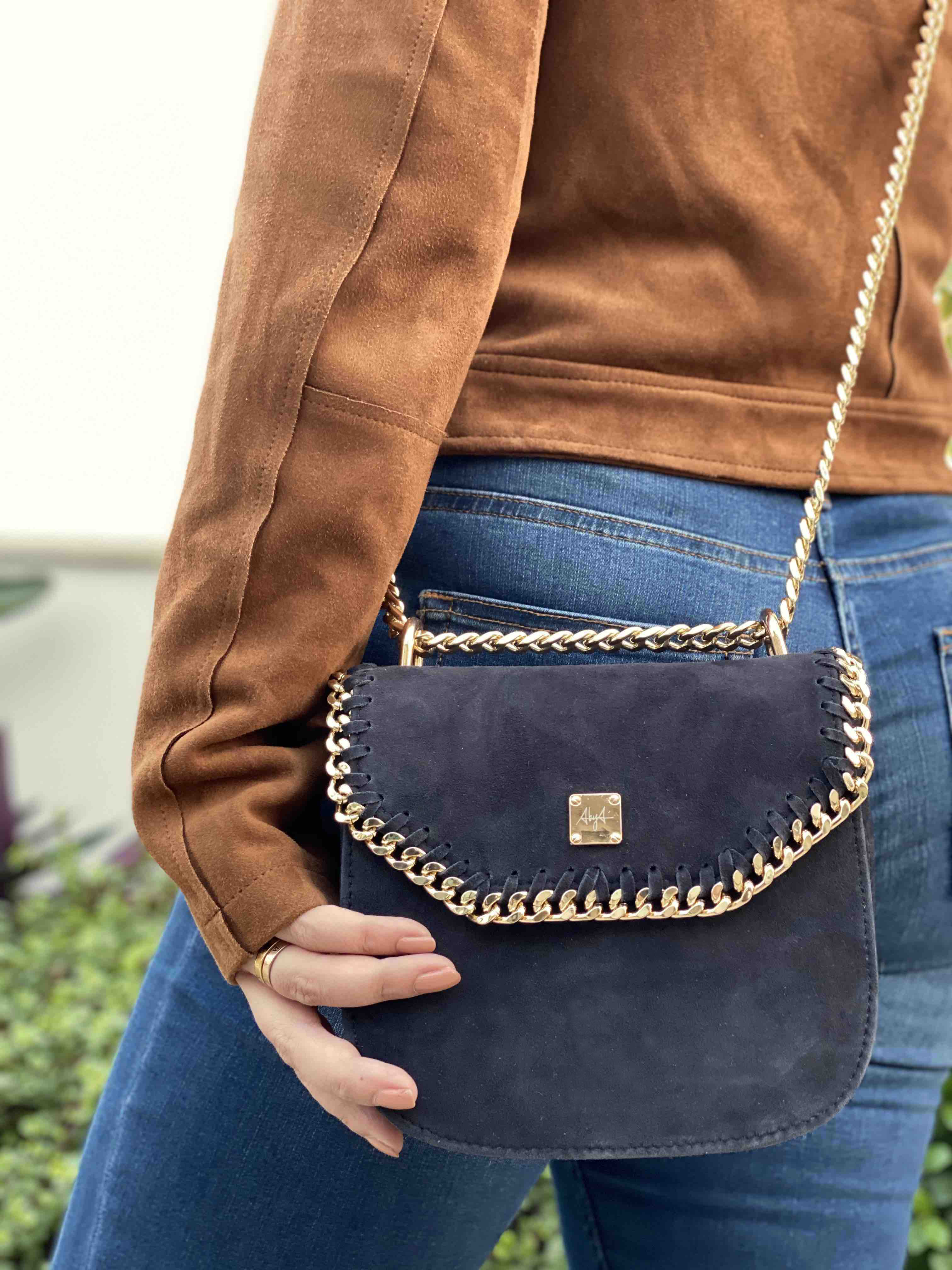 AIKO SLING BAG image 5