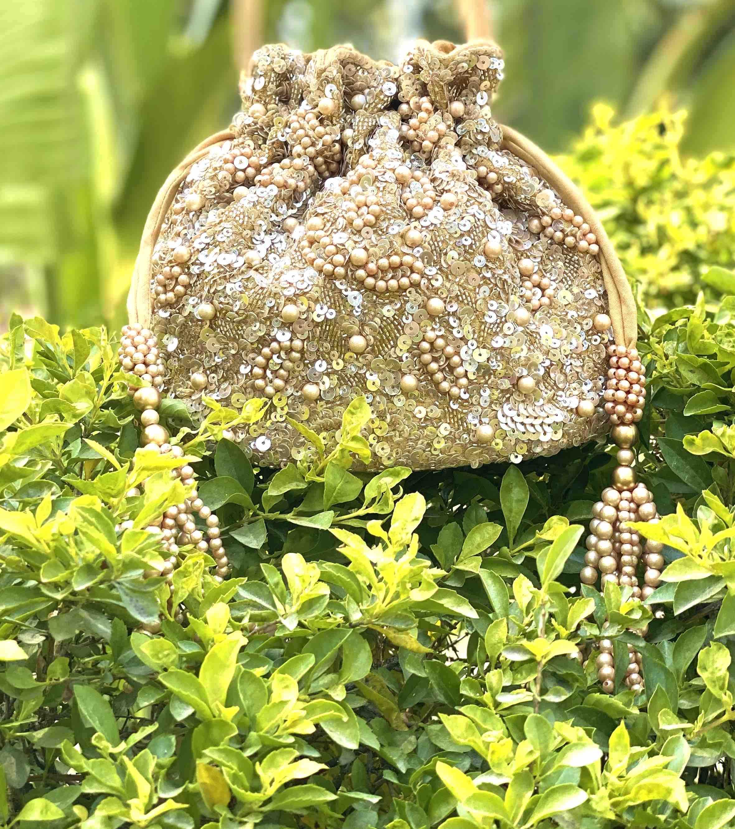 GOLD SAKURA SEQUIN BAG image 3